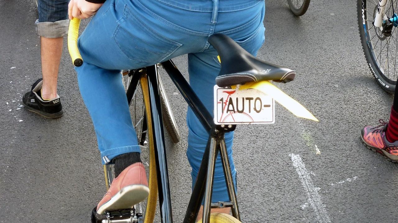 Critical Mass Berlin - ein Fahrrad ersetzt ein Auto
