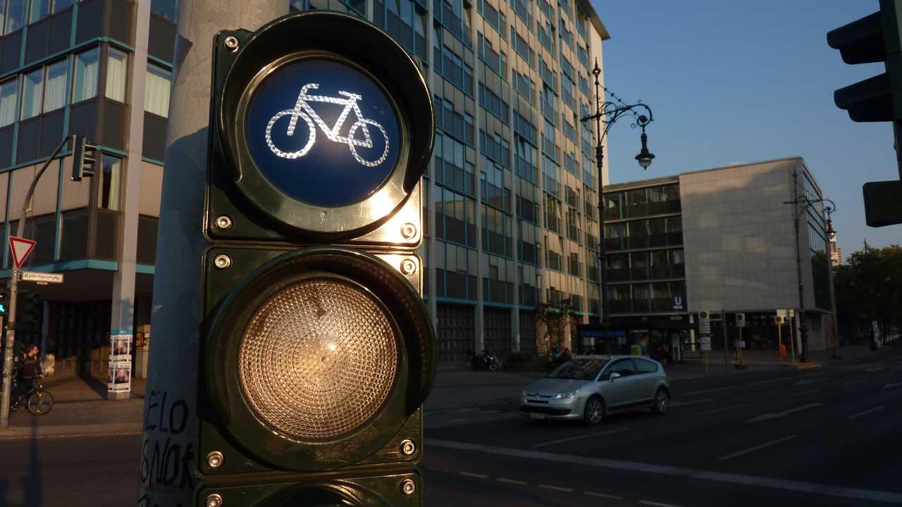 Fahrradampel - Rot heißt stehenbleiben!