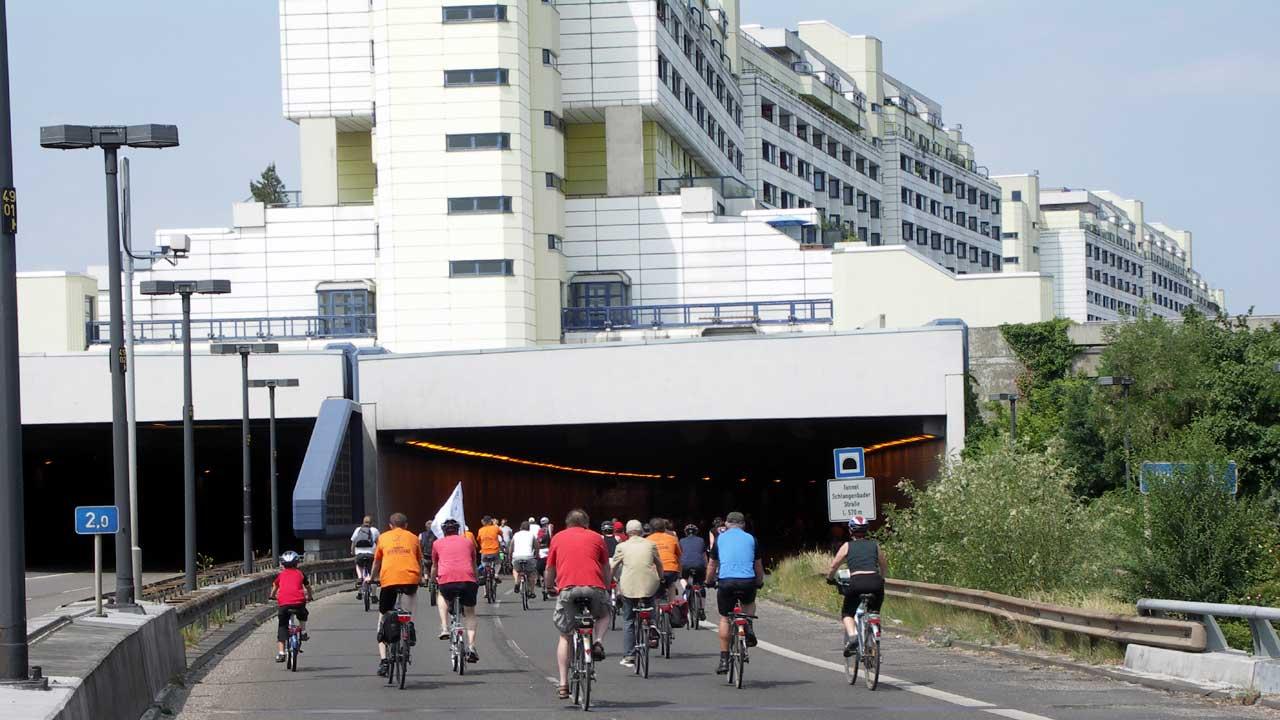 Fahrradsternfahrt Berlin 2008 (A 104 vor Einfahrt Tunnel Schlangenbader Straße)