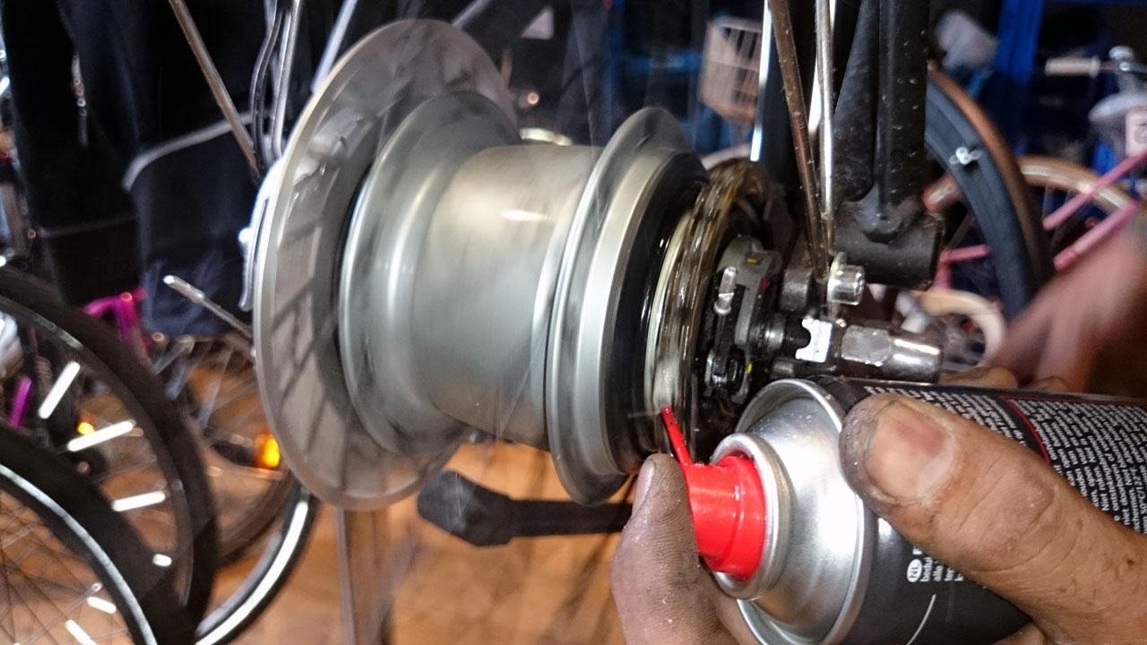 Fahrrad Werkstatt Pflege bei der Radwelt - Kettenöl im Test